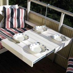 Piccoli ma accoglienti: la creatività trasforma i mini balconi