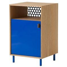 Model: Ferm Living Cabinet dressoir - Ontwerper/merk: Ferm Living - Herkomst: Denemarken: - Materiaal: Eikenhout, leer en metaal (gepoedercoat) - Prijs: € 360,-