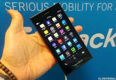 En el Congreso Mundial Móvil 2015 en Barcelona,  Blackberry anunció un nuevo smartphone  4G LTE, con pantalla táctil de 5 pulgadas con una resolución de 1280 x 720 píxeles, 294 ppi y teclado virtual.