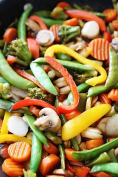 Easy Chickpea Vegetable Stir Fry Recipe on twopeasandtheirpo. Our family loves this easy and healthy stir fry! Frozen Mixed Vegetable Recipes, Veg Stir Fry, Chicken Vegetable Stir Fry, Mix Vegetable Recipe, Easy Vegetable Recipes, Healthy Stir Fry, Easy Stir Fry, Vegetarian Recipes, Healthy Recipes
