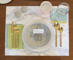 Marble Place Mats - DIY a modern set of place mats using sheets of plexiglass and marble contact paper.