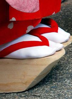 traditional geisha shoes--okobo