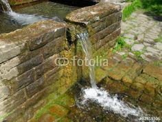 Wasser aus Brunnen