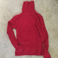 """GAP Red sweater Super soft red turtle neck sweater in brand new condition ( never worn ) from shoulder to hem 21.5"""" GAP Sweaters Cowl & Turtlenecks"""