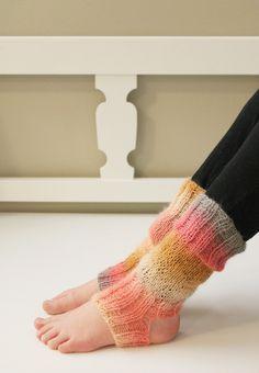 Leg Warmers, Fingerless Gloves, Legs, Fashion, Leg Warmers Outfit, Fingerless Mitts, Moda, Fashion Styles, Fingerless Mittens