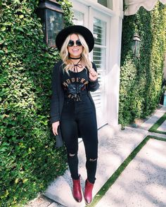 We think @melaniepace21 styled her outfit perfectly with our Fifi booties!