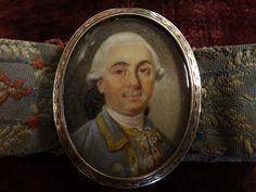 Very rare Miniature on ivory,  set on silver with a bracellet, Louis XVI, 18th Century. Genuine bracellet. For sale on Proantic by La Maison du Roy.  #louisXVI   #18thcentury   #bracellet