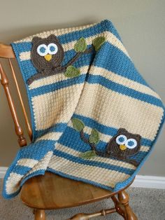 This would be a nice baby blanket.. I think Scarlett in pink/purple white.. I saw some cute owls on another pin and I am sure I can come up with the tree and leaves... might be my next project!!