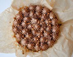 The best cake with milk chocolate cream Chocolate Cream, Cravings, Cake Recipes, Deserts, Snacks, Food Cakes, Tableware, Creme, Kitchen