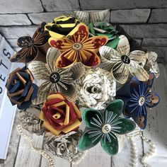 Harry Potter paper flower arrangement/bouquet. Potterheads