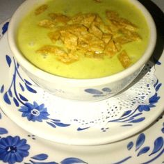 Sopa De Elote (Corn Chowder) San Angel Inn Restaurante, Mexico Pavilion, EPCOT Yield: 6 servings 1 pounds corn ( off the co b). Mango Puree, Corn Soup, Corn Chowder, Make Your Own Flour, Disney Food, Disney Recipes, How To Read A Recipe, Pureed Soup