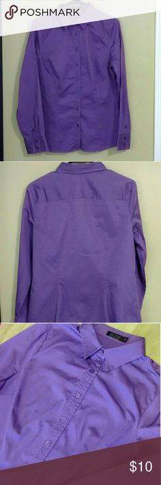 The Limited fitted shirt sz L Last pic. (taken outside reflects color) The limited shirt in lilac  97% cotton 3% spandex Machine washable  Measurements Laying flat:  Armpit to armpit: 21 in Shoulder to shoulder: 15.5  Shoulder to hem: 27in Sleeve length: 25 in.  I offer bundle disc.! The Limited Tops Button Down Shirts
