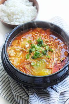 Spicy Korean Silken Soft Tofu Stew (Soondubu Jjigae) Recipe - Couple Eats Food - The Best Asian Recipes Vegetarian Recipes, Cooking Recipes, Healthy Recipes, Cooking Tips, Soft Tofu Stew Recipe, Kimchi Soup Recipe, Kimchi Jigae Recipe, Jjigae Recipe, Soondubu Jjigae