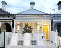 I have found the most georgeous small houses...heavenly House Front, Victorian House, Modern Victorian, Victorian Era, Picket Fences, White Picket Fence, White Fence, Gate Design, House Design