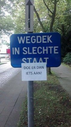 Sign: road in bad condition. Paper: fix it ! Clip Art Pictures, Funny Pictures, Give Me A Sign, Dutch Quotes, Just Smile, Funny Signs, Just For Laughs, Haha, Hilarious