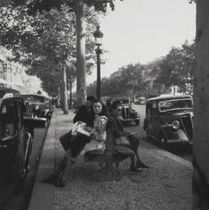 paul almasy Champs-Elysées 1947
