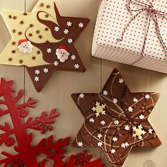 Cocoa Bean Company Christmas Star Chocolate Slab, 200g Online at johnlewis.com £5.00 Christmas Bark, Christmas Food Gifts, Christmas Chocolate, Christmas Cooking, Christmas Goodies, Homemade Christmas, Chocolate Lollipops, Chocolate Treats, Homemade Fudge