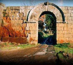 Porta di Giove, Falerii Novi, Viterbo