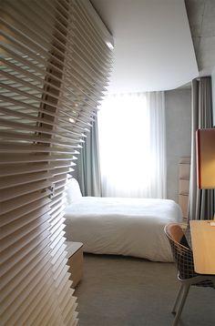 La chambre de l'Okko Hotel de Cannes est un véritable cocon où il fait bon traîner ... avant d'aller au Club, l'espace tout compris !