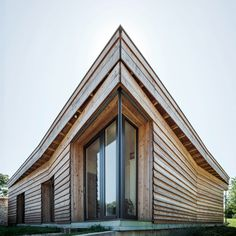 Image 1 of 11 from gallery of Maison P(c)ap(l)ill(ss)on / Guillaume Ramillien Architecture. Photograph by Eric Pouyet Architecture Résidentielle, Beautiful Architecture, Scandinavia House, Wood Facade, France, House In The Woods, Modern Interior Design, Location, Curb Appeal