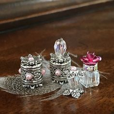 Dolls House Dollhouse 1:12 Miniature Pink Vanity Set Perfume Bottles Make-up