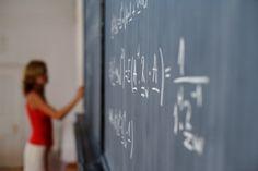 O Projeto Bolsa Universidade oferece mais 6, 5 mil vagas para universitários que queiram atuar como educadores do programa Escola da Família em todo o Estado de São Paulo. As inscrições devem ser feitas até o dia 13 de abril.