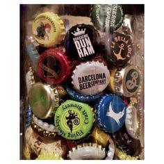 Así va nuestra colección de chapas de botellas de cerveza artesana y algún corcho de vino... Muy molona. Nos vemos mañana. ;-)  #yoBeboCraft #labellalola #barcelonabeercompany @barcelonabeercompany #beershooter #malasaña  #malasañamola  #condeduque  #condeduquegente  #madrid #madridmola #madridmemola #cervezaArtesana #craftbeermadrid #cervezaartesanamadrid #rinconesdemalasaña #ganasdemalasaña #madridtime  #callelapalma #beermadrid  #beerporn #birra #cerveza #flyingmonkeys @brewdogofficial…