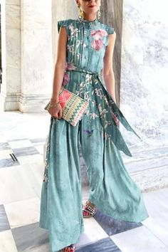 Summer Fashion Stand Collar Chiffon Button Printed Lace-up Wide-leg Pants Jumpsuit Elegant Slim Sleeveless Loose Party Jumpsuits Early Fall Fashion, Autumn Fashion, Flowy Gown, Fashion Outfits, Womens Fashion, Blazer Fashion, Chic Outfits, Jumpsuit Dress, Look Cool