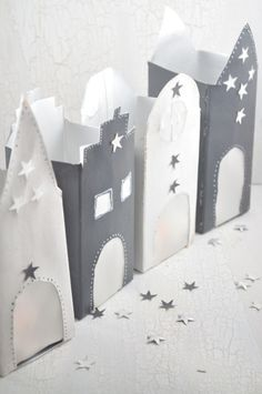 Light houses in Advent ideas atmospheric light houses made of Tetrapack - simply . - Lichthäuser im Advent Stimmungsvolle Lichthäuser aus Tetrapack – einfach… Lighthouses in Advent Atmospheric lighthouses from Tetrapack – simple upcycling idea Summer Crafts, Diy Crafts For Kids, Crafty Projects, Projects To Try, Upcycled Crafts, Xmas, Christmas, Valentines, Pinterest Blog
