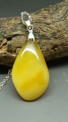 Farbsteine Hand Carved Leaves Natural Butterscotch Amber White Baltic Amber Leaf Pendant