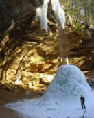 Hocking Hills Winter Hike -  been here! Absolutely BEAUTIFUL! and peaceful...