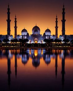 Unlimited Beauty - One of the most famous place in Abudhabi-UAE (Sheikh Zayed Mosque) Mosque Architecture, Ancient Greek Architecture, Paper Architecture, Gothic Architecture, Beautiful World, Beautiful Places, Muslim Images, Medina Mosque, Mecca Masjid