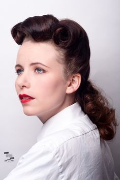 1940s style by Aimee Holland. Photo by Scott Chalmers