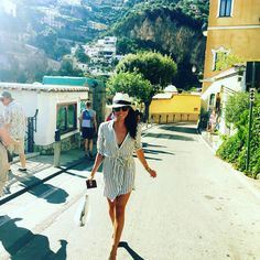 7 (Affordable!) Pieces You Need to Copy Meghan Markle's Breezy Vacation Style