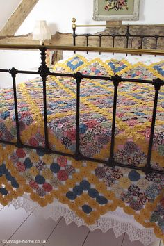 Vintage Home - 1940s Suffolk Puff Patchwork Quilt: www.vintage-home.co.uk