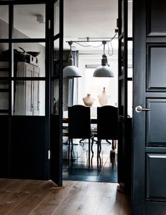 Refined Palette of Grays in Dutch House by Designer Ineke van den Berg Style At Home, Dutch House, Interior Decorating, Interior Design, Office Interiors, Dark Interiors, Inspired Homes, Decoration, Living Area