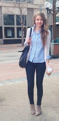 Light wash chambray shirt, cream boyfriend cardigan, dark skinny jeans, neutral booties