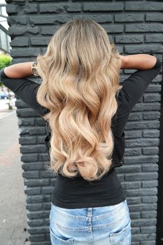 #blonde #extensions #greatlenghts #thick #waves #highlights #multiblonde #longhair #haircolor #hairstyle #hairstyle2017 #haarvisie #haarvisierijswijk Extensions, Top Stylist, Latest Fashion Trends, Highlights, Hair Care, Stylists, Hair Color, Long Hair Styles, Blond