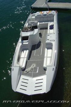 Conquest top cat Yatch Boat, Pontoon Boat, Boat Building Plans, Boat Plans, Yacht Design, Boat Design, Boat Restaurant, Classic Wooden Boats, Landing Craft