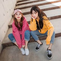 My happy fruit sa-lard line colours Korea Fashion, Asian Fashion, Yoon Ara, Korean Girl, Asian Girl, Matching Outfits, Cute Outfits, Korean Best Friends, Bff Girls