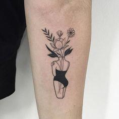 Floresss ✖️ Orçamentos e agendamentos chong.tattoo@outlook.com (placement)