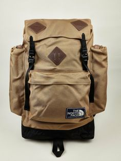bfb8ce910ae1 Men s khaki mountain heritage backpack - The North Face Rucksack Backpack