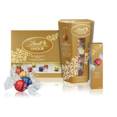 A selection of the finest smooth melting Lindor flavours including milk, dark, white and hazelnut. Available in a 150g gift box