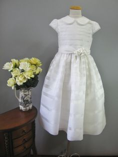 Spanish First Communion Dress, ADORE this dress! Would also be beautiful with a color underneath for Easter.
