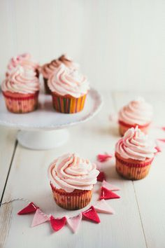 Pink Champagne Cupcakes + A Giveaway (for My Blogs 2nd Birthday) - Hummingbird on High