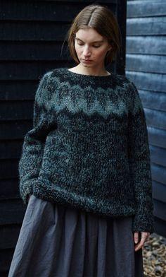 Islandic jumper - Plümo Ltd Fair Isle Knitting, Hand Knitting, Knitting Needles, Motif Fair Isle, Handgestrickte Pullover, Icelandic Sweaters, Nordic Sweater, Knitwear Fashion, Knit Crochet