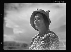 From The Great Depression to the dust storms, these rare photos from South Dakota between 1929 and 1939 give us a glimpse into life back in the day. Great Depression, Dealing With Depression, Depression Symptoms, Rare Photos, Old Photos, Vintage Photos, Dust Storm, Dust Bowl