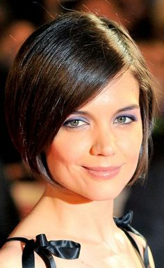Katie Holmes Short Hairstyle