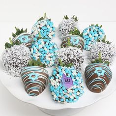 Chocolate Dipped Strawberries for Channukah.in fact these would be fabulous for any Jewish holiday dessert buffet. Hanukkah Food, Hanukkah Decorations, Christmas Hanukkah, Happy Hanukkah, Hanukkah Meals, Hanukkah Recipes, Valentine Day Gifts, Valentines, Jewish Celebrations