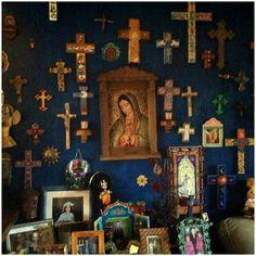 Blue shrine wall ~ spirit of authentic Mexico Mexican Home Decor, Mexican Folk Art, Religious Icons, Religious Art, Religious Images, Estilo Kitsch, Home Altar, Santa Fe Style, Mexico Style